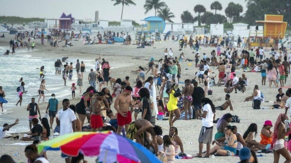 米マイアミビーチ市、春休みの学生らで路上に大群衆 夜間外出を禁止 ...